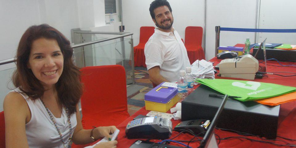 Voluntarios Gran Bazar Navideño 2016