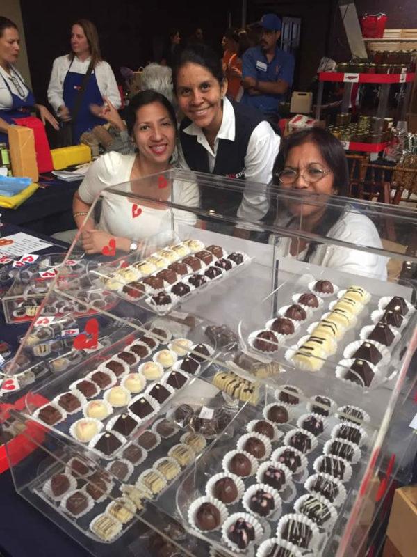 En un ambiente muy festivo, Invedin celebra su tradicional Bazar para el día de las madres